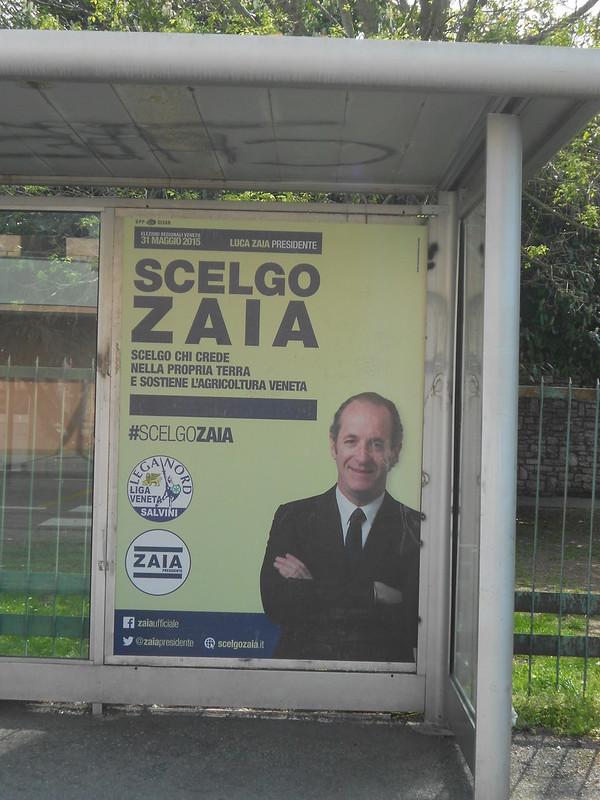 Scelgo Zaia, alla fermata dell'autobus