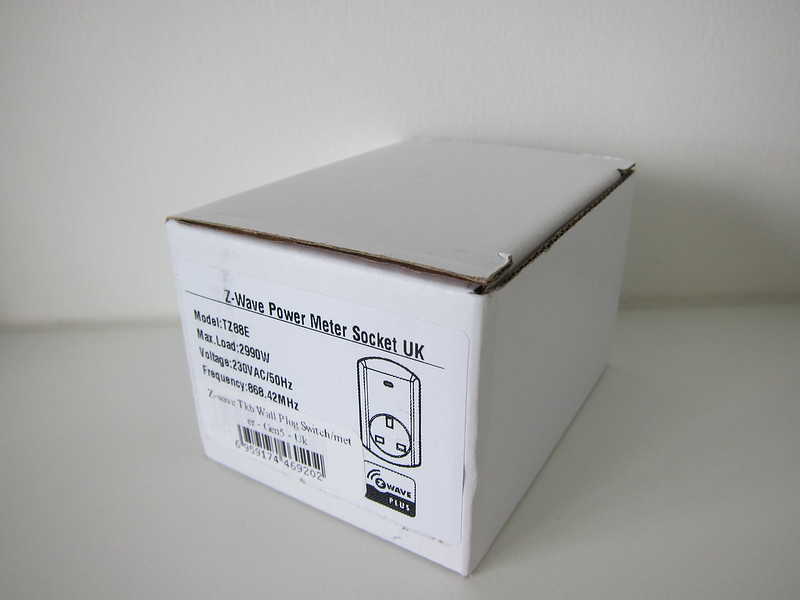 TKB Z-Wave Wall Plug Switch/Meter - Box