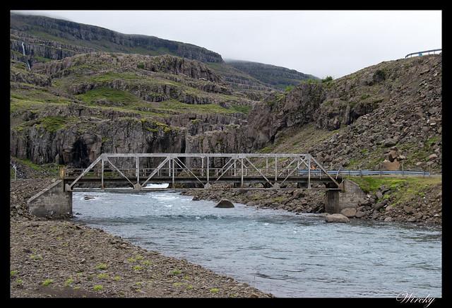 Puente sobre el río Fossa