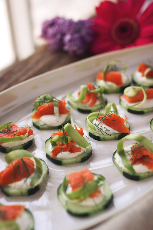 Paleo Cucumber Cups with Dill Cream and Smoked Salmon