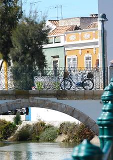 Una mirada con hermoso resultado en/ One look with beautiful results in Tavira (El Algarve. Portugal)