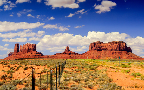 monument fence utah unitedstates desert valley mexicanhat
