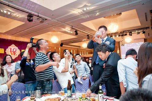 【高雄婚禮攝影推薦】婚禮婚宴全記錄:kiss99婚紗公司,網友都推薦的結婚幸福推手! (27)