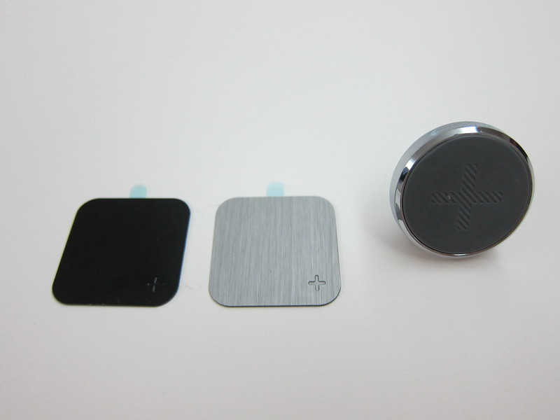 Logitech + trip Universal Air Vent Mount - Packaging Contents