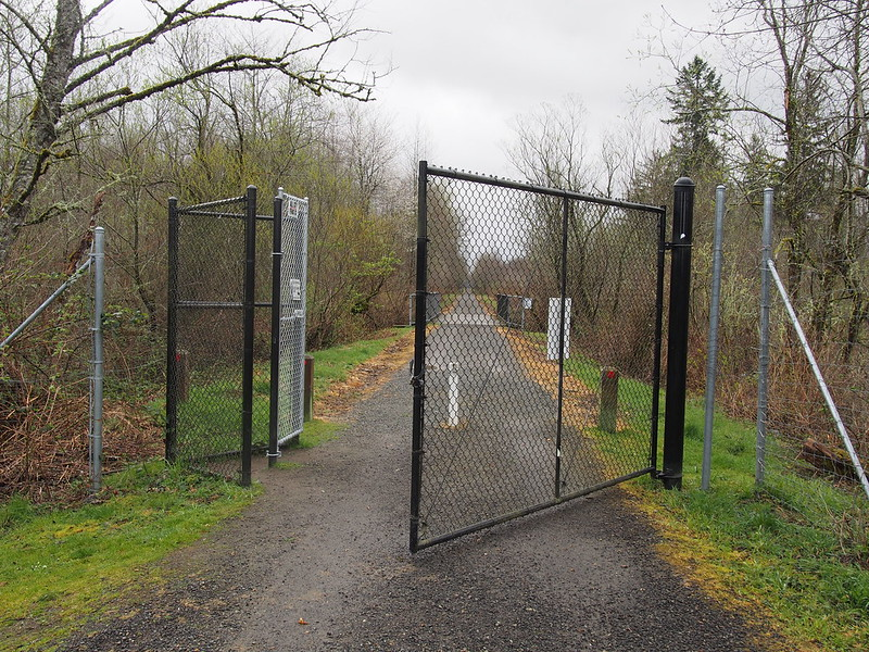 Snoqualmie Valley Trail Gate: At the golf course