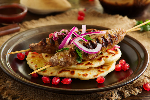 kebab of lamb, with homemade bread.