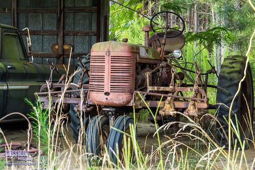 abandoned barn barnhunting barnhuntingtrip barns eastcentralgeorgia georgia georgiabackroads georgiabarnhunters old rural ruralgeorgia rust rusted rusty sonyslta77 sussmanimaging thesussman tractor wrightsville unitedstates