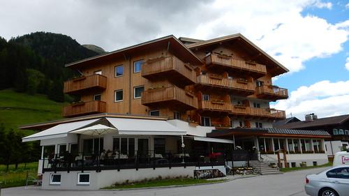 Mittagsrast im Naturhotel Tandler im Defereggental in Osttirol