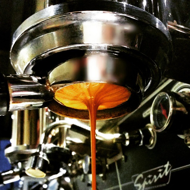 Happy Monday! Have a tasty espresso! Smooth Red Leather is On Tap. #espresso #caffedbolla #kvdw #kvdwspirit #slc #coffee