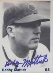 1976 TCMA / 1938 Cubs - Bobby Mattick #25 / #NN (Shortstop / Manager) (b: 5 Dec 1915 - d: 16 Dec 2004 at age 89) - Autographed Baseball Card (Chicago Cubs)