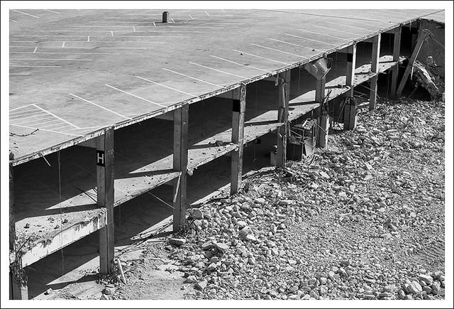 Arch Garage Demolition 2015-03-22 4