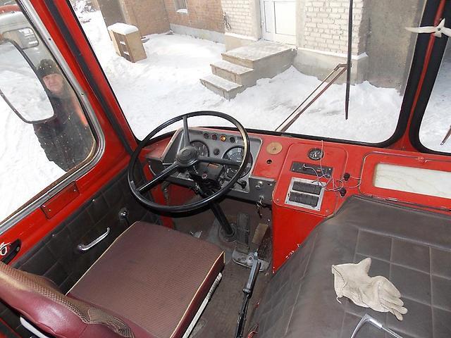 водительское место ЛиАЗ-677