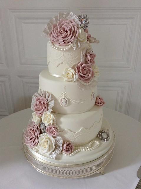 flickr kc wedding cakes grimsby 39 s photostream. Black Bedroom Furniture Sets. Home Design Ideas