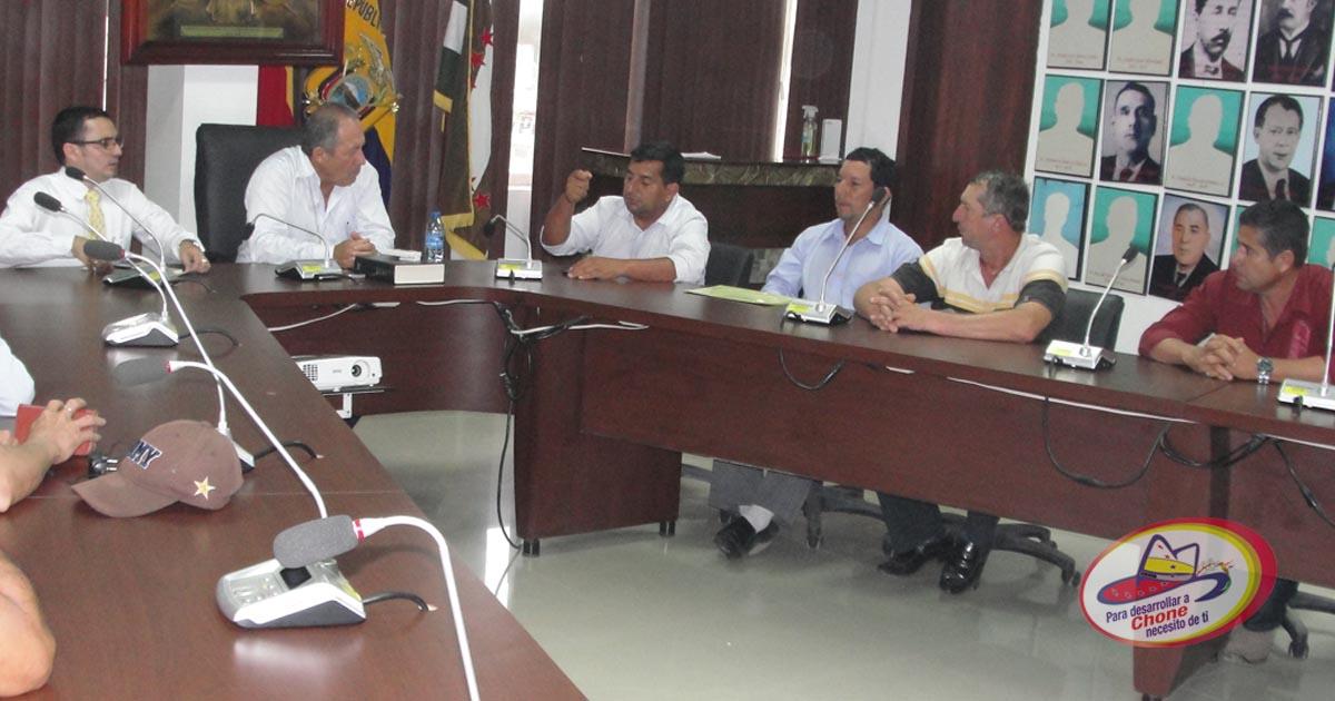Alcalde recibió a campesinos de recintos comunales de Chibunga