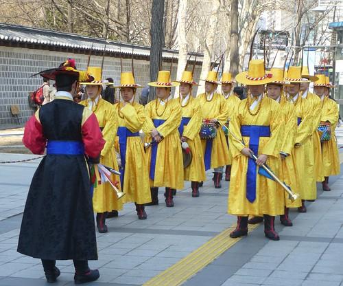 Co-Seoul-Palais-Deoksugung-Gardes-Changement (28)