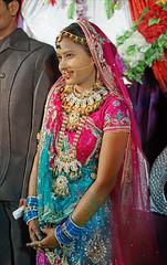 wedding reception(1.0), abdomen(1.0), wedding(1.0), marriage(1.0), trunk(1.0), sari(1.0), ceremony(1.0),
