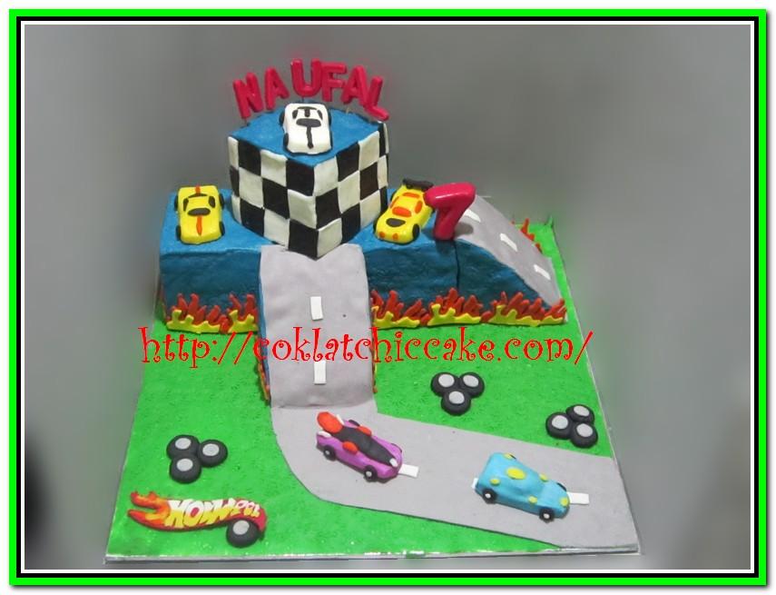 Miniature cake Hotwheels
