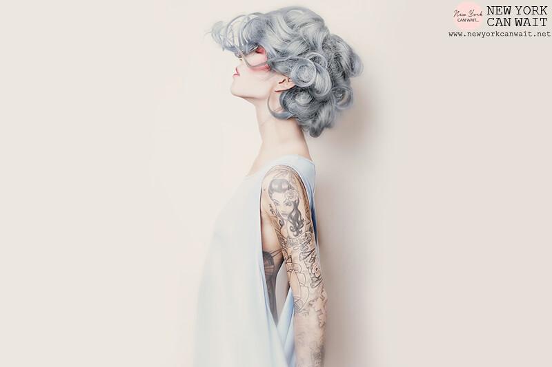 Granny Hair: la nuova moda dei capelli grigi
