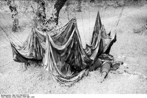 Paracaidista aleman kondomari