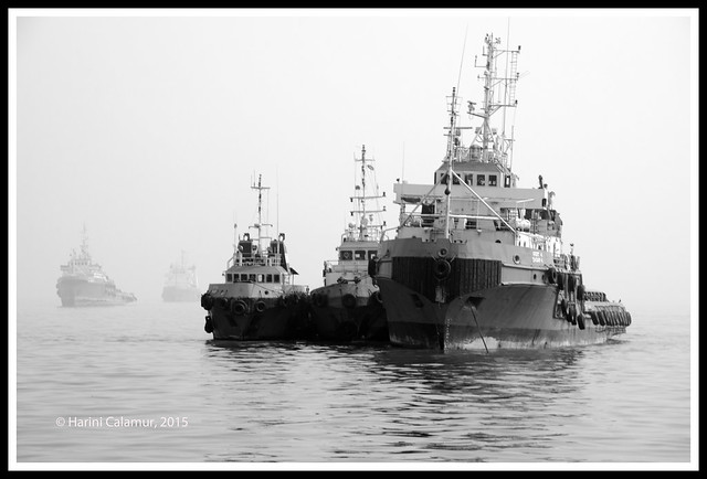 boats coming in thro' the fog bw