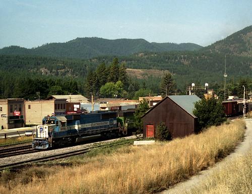 clarkfork trainrailrailroadrailwaymrlthompson fallsmontanamt