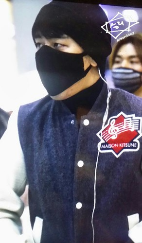 Big Bang - Gimpo Airport - 27feb2015 - Seung Ri - Power Victory - 01