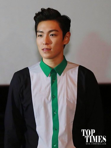 TOP-HQs-StageGreeting-Day3-20140908(10)