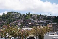 月, 2016-07-18 11:02 - 街の北側の丘は安そうな住宅街