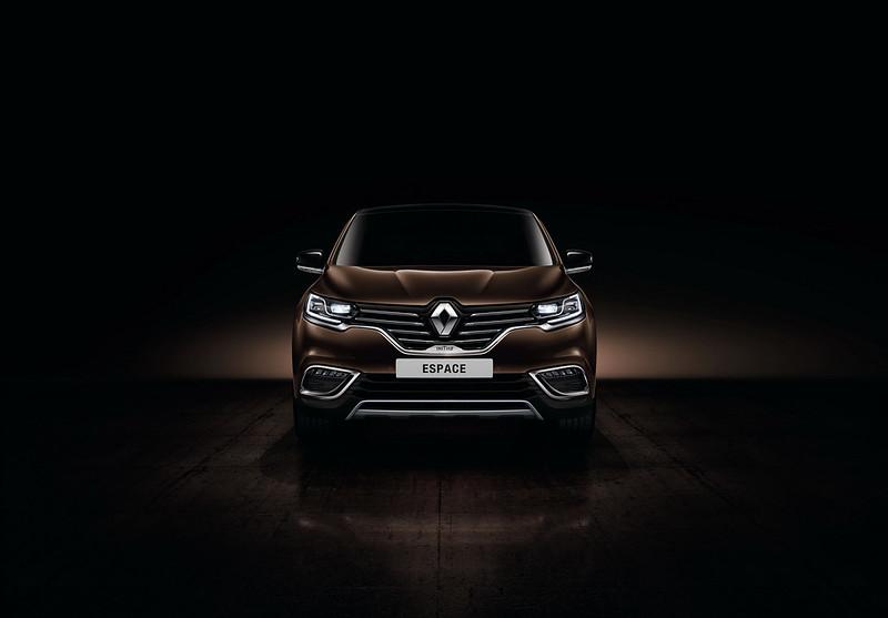 Премиум-минивэн Renault Espace Initiale Paris