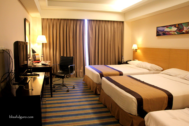 Luxent Hotel Quezon City Superior Queen Room