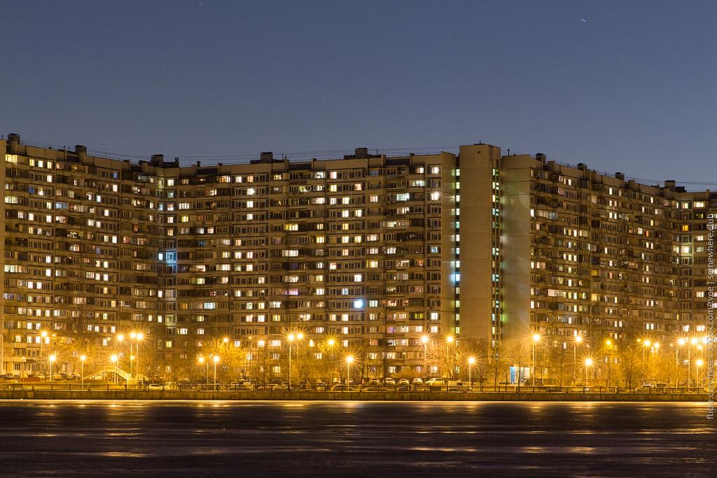 Панельные многоэтажки в спальном районе Нагатино