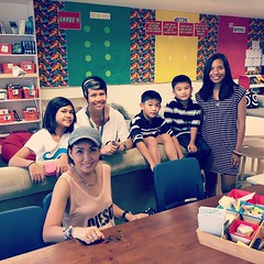 The kids plus @hellofelice got to visit school. #firststop #singapore #springbreak2015