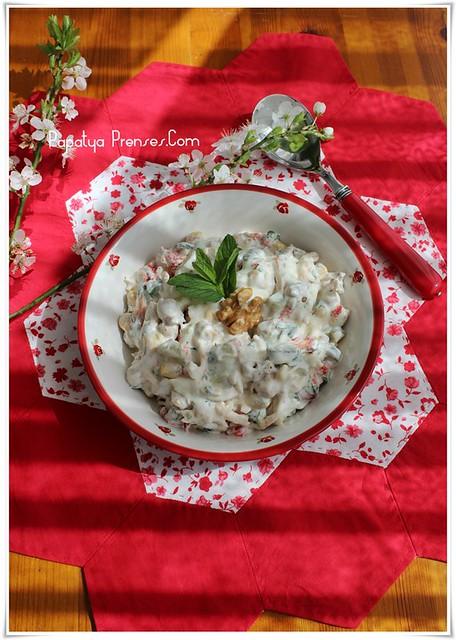 tavuk salatası (1)