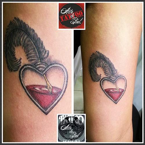 Uno peque......   #pluma #corazon #tintero #brazo #tattooarteypiel #tatuajes #artisticos #leviathoth #isaaccelis #aguascalientes #mexico #tattooink #tattooart #tattooist #tattoo