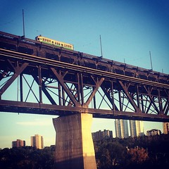 Edmonton you\'re looking rather fine this evening :city_sunrise::blush::tropical_drink::sun_with_face: - - - #yeg #Edmonton #exploreedmonton #exploreeverything #sunset #highlevel #streetcar #river #bridge #summer #explorealberta #summerfun #summersun #blue