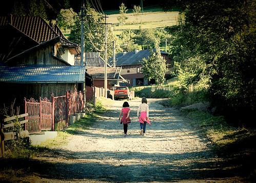 rural suceava romania campulungmoldovenesc bucovina children