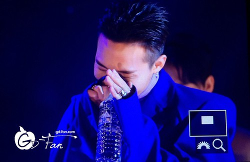 Big Bang - The 5th Gaon Char K-Pop Awards - 17feb2016 - GD Fan - 01