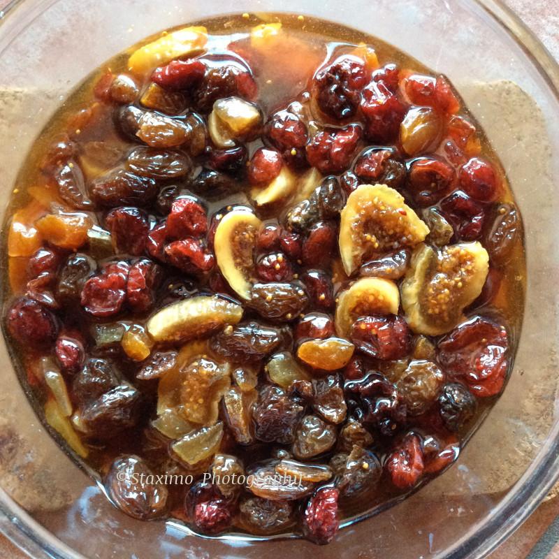 Frutta in ammollo per il Barmbrak