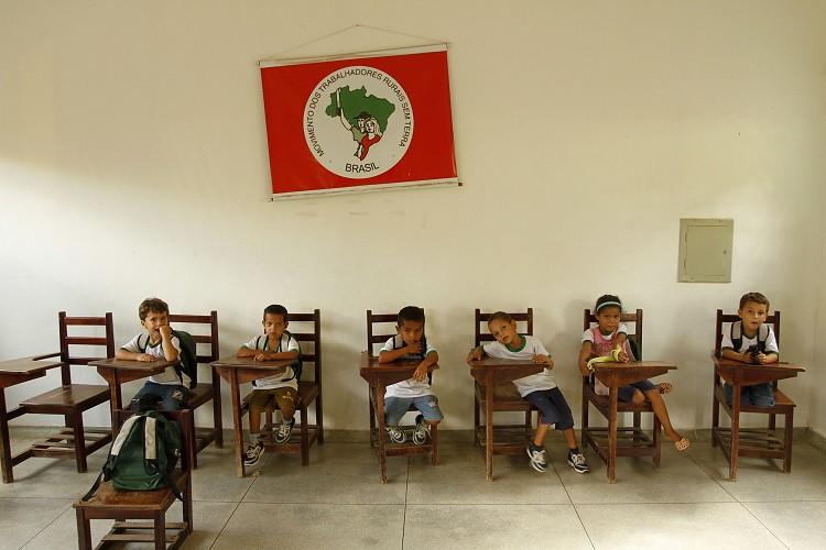sala com alunos.jpg