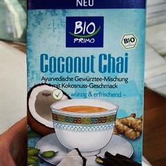 ¿Te apetece una bebida? Qué mejor que disfrutar de una exquisita infusión de té negro con coco y especies. Y ahora que viene el calor prueba lo siguiente; hazlo por la noche a razón de dos sobres por medio litro de agua y déjalo en la nevera, al día sígue