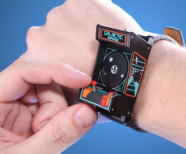 向街機世代的你致敬!經典街機造型腕錶誕生!