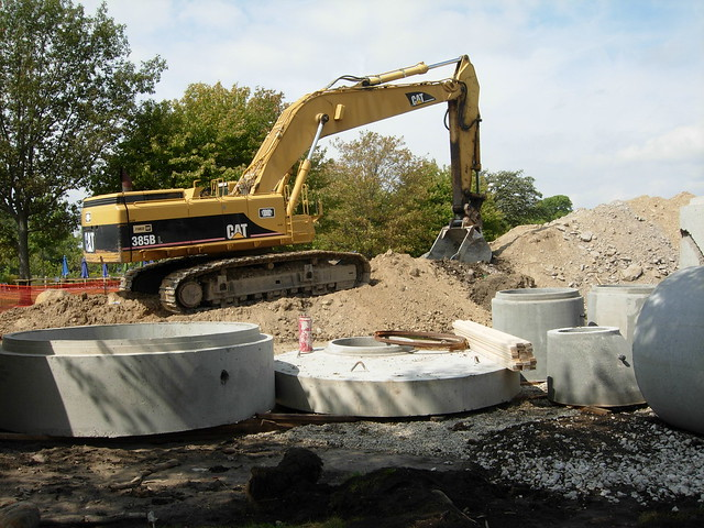 Estabrook_WFBAYsewer_2013sept_CAT385B_1