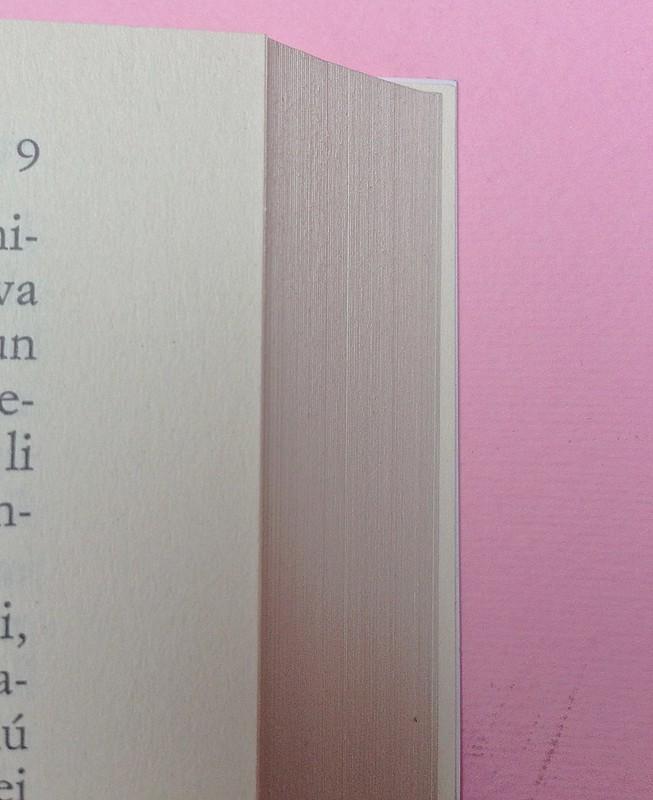 Virgina Woolf, Gita al Faro. Einaudi 2014. Progetto grafico di 46xy. Testo: indicazione del numero della pagina, in capo al testo, allineato al margine esterno, a pag. 9  (part.), 1