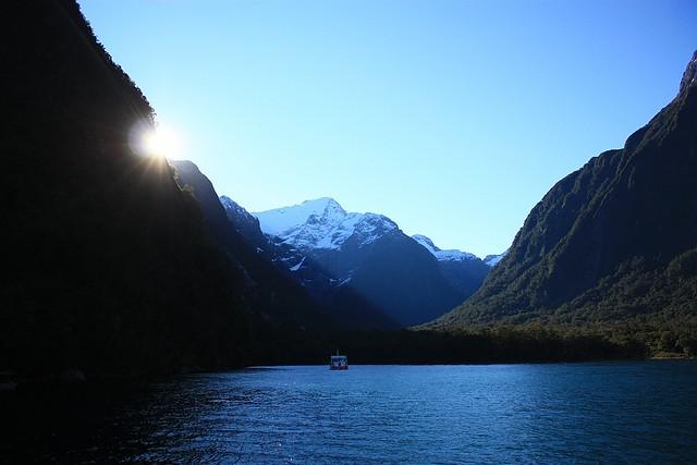 Harrison Cove, Milford Sound, Fiordland National Park, South Island, New Zealand, fotoeins.com