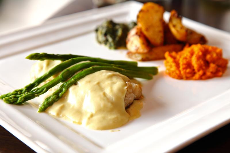 Cod-Fish-with-Asparagus-Sauce