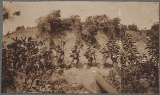 Anzac troops advancing to the firing line, Gallipoli Peninsula, Turkey, April 1915 / David Izatt