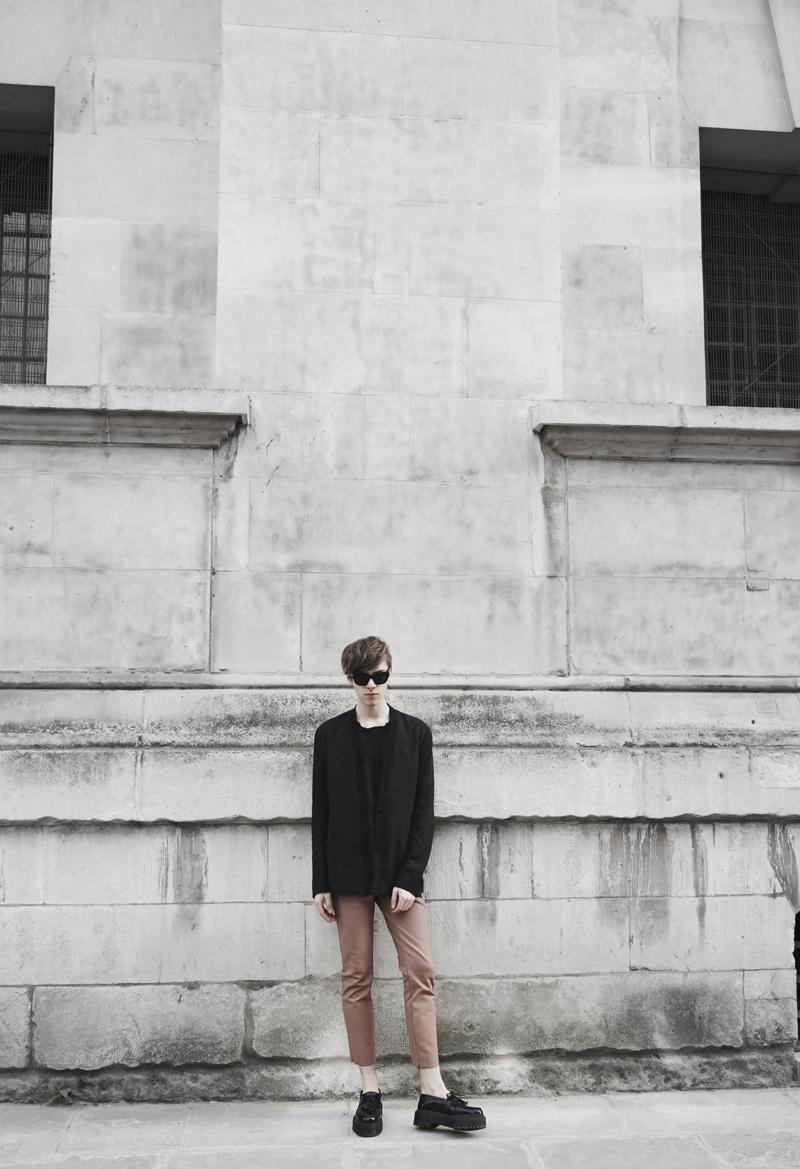 mikkoputtonen_fashionblogger_london_acnestudios_weekday_drmartens1_web