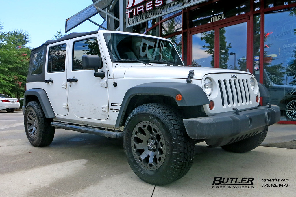 Jeep Wrangler With 18in Black Rhino Warlord Wheels And Toyo Tires