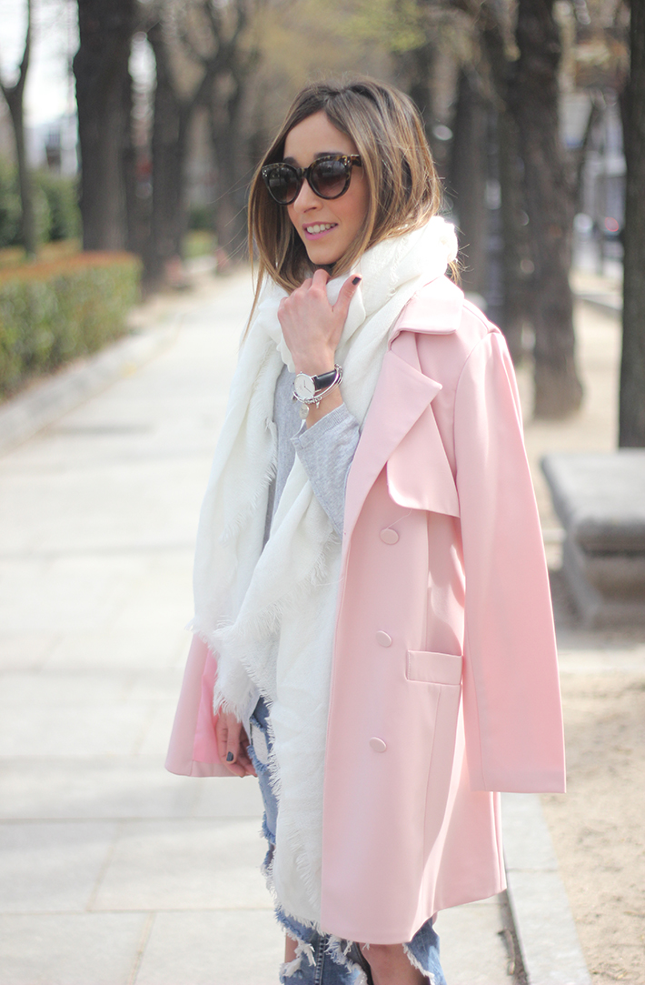 Pink trench & Ripped Jeans07