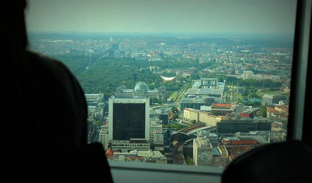 Como é a visita a Torre da Televisão em Berlim